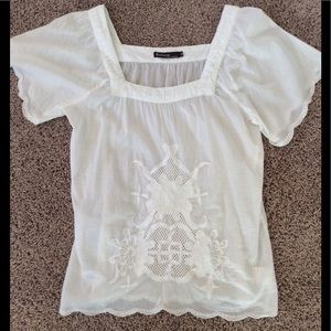 Solitaire white gauze embroidered top